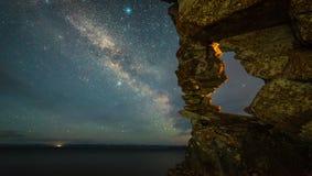 Lapso de tempo da estrela da Via Látea na noite video estoque