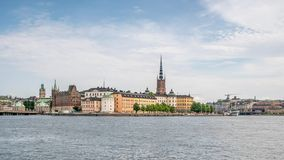 Lapso de tempo da parte velha de Éstocolmo, vista da Suécia do rio, 4k filme