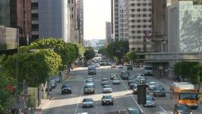 Lapso de tempo da rua ocupada da cidade em Los Angeles do centro dia video estoque