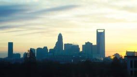 Lapso de tempo da skyline de Charlotte durante o dia video estoque