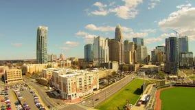 Lapso de tempo da skyline de Charlotte durante o dia filme