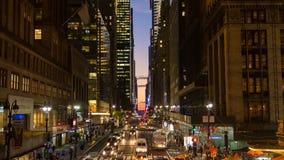 Lapso de tempo de cruzamentos pedestres ocupados, Manhattan central vídeos de arquivo