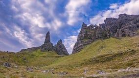Lapso de tempo do ancião de Stor no outono - ilha de Skye, Escócia filme