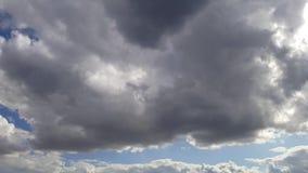 Lapso de tempo do céu do dia vídeos de arquivo