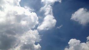 Lapso de tempo do céu do verão vídeos de arquivo