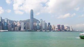 Lapso de tempo do canal de água da arquitetura da cidade de Hong Kong Bandeja acima filme