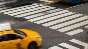 Lapso de tempo do cruzamento ocupado, Manhattan vídeos de arquivo