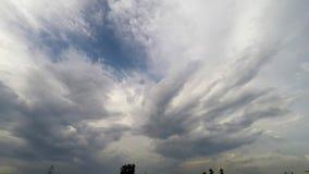 Lapso de tempo do movimento da nuvem video estoque