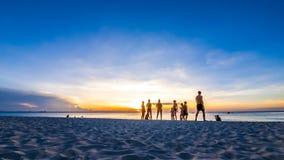 Lapso de tempo do por do sol na praia de Zanzibar video estoque