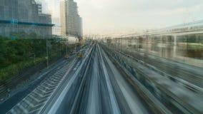 Lapso de tempo do Tóquio elevado da viagem de trem do metro vídeos de arquivo