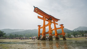 Lapso de tempo 'do torii de flutuação famoso' em Miyajima video estoque