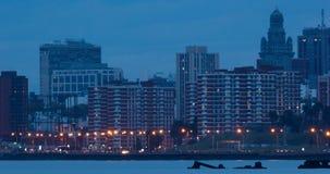 Lapso de tempo do tráfego em Rambla de Montevideo filme