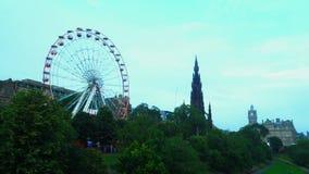 Lapso de tempo de Ferris Wheel e de Scott Monument filme
