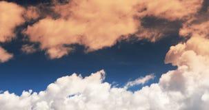 lapso de tempo 4k do voo inchado da massa da nuvem no fulgor do por do sol, céu, platô de Tibet video estoque