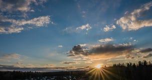 lapso de tempo 4k, nuvens no por do sol, por do sol bonito da mola filme