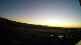 Lapso de tempo largo do nascer do sol do ângulo em Havaí video estoque