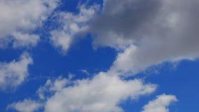 Lapso de tempo de nuvens moventes video estoque