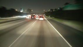 Lapso de tempo que conduz abaixo da autoestrada 10 na noite vídeos de arquivo