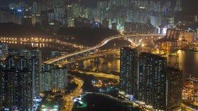 Lapso de tempo urbano China do panorama da noite de Hong Kong Zumbido para fora video estoque