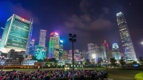 Lapso de tiempo cerca ligero del panorama 4k del parque de la clase de la yoga del centro de Hong Kong China almacen de metraje de vídeo