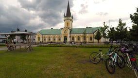 Lapso de tiempo de iglesia de la ciudad de Borgholm almacen de video