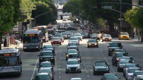 Lapso de tiempo de la calle ocupada de la ciudad en Los Ángeles céntrico día almacen de metraje de vídeo