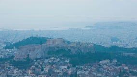 Lapso de tiempo de la ciudad de la acrópolis y de Atenas, Grecia almacen de video