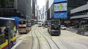 Lapso de tiempo de la tranvía a través de las calles de Hong Kong almacen de video