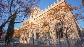 Lapso de tiempo de seda del edificio de intercambio de Valencia de la luz del sol de España 4k almacen de video