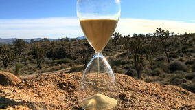 Lapso de tiempo de un vidrio de la hora - clip 1 almacen de metraje de vídeo