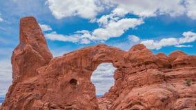 Lapso de tiempo del paisaje en parque nacional de los arcos utah EE.UU. almacen de video