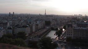 Lapso de tiempo del paisaje urbano de París almacen de metraje de vídeo
