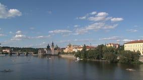 Lapso de tiempo del río de Moldava, Praga almacen de metraje de vídeo