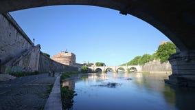 Lapso de tiempo del río de Tíber, Roma, Italia - 4K 30p almacen de metraje de vídeo