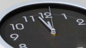 Lapso de tiempo del reloj que muestra al mediodía metrajes