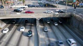 Lapso de tiempo del tráfico en Loa Angeles céntrica Cambio inclinable metrajes