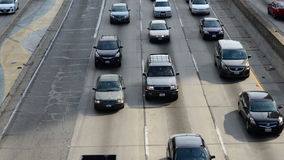 Lapso de tiempo del tráfico en Los Ángeles céntrico - 4K almacen de metraje de vídeo