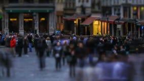 Lapso de tiempo del tráfico peatonal de la ciudad Bruselas almacen de metraje de vídeo