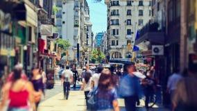 Lapso de tiempo del tráfico peatonal de la ciudad Buenos Aires almacen de metraje de vídeo
