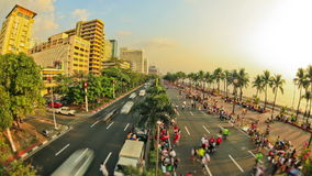Lapso de tiempo del tráfico peatonal de la ciudad Manila almacen de metraje de vídeo
