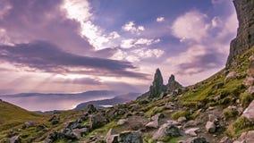 Lapso de tiempo del viejo hombre de Stor en el otoño - isla de Skye, Escocia metrajes