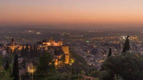 Lapso de tiempo en el La Alhambra en Granada España almacen de metraje de vídeo