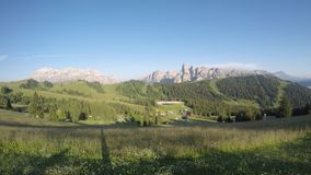 Lapso de tiempo en el pico del grupo de Sella, del  de BoÂ, el macizo de Gardenaccia y la cumbre de Sassongher Alta Badia, Sud e metrajes