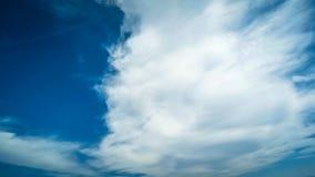 lapso de tiempo 4k de nubes pacíficas almacen de metraje de vídeo