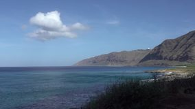 Lapso de tiempo de la playa de Makua en la isla de Oahu en Hawaii metrajes