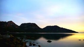 Lapso de tiempo de la puesta del sol de Freycinet almacen de metraje de vídeo