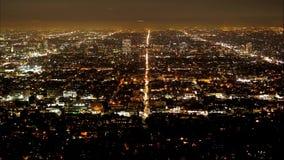 Lapso de tiempo de Los Angeles por la noche - visión aérea almacen de video