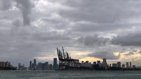 Lapso de tiempo de los barcos de cruceros Miami la Florida metrajes