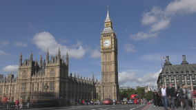 Lapso de tiempo Nubes hermosas sobre Big Ben almacen de metraje de vídeo