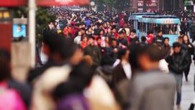 Lapso de tiempo ocupado del tráfico de las muchedumbres almacen de video